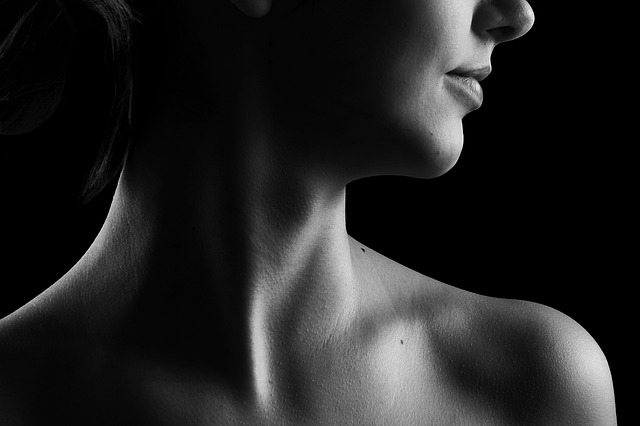 fedtsugning hals giver følelsen af skønhed